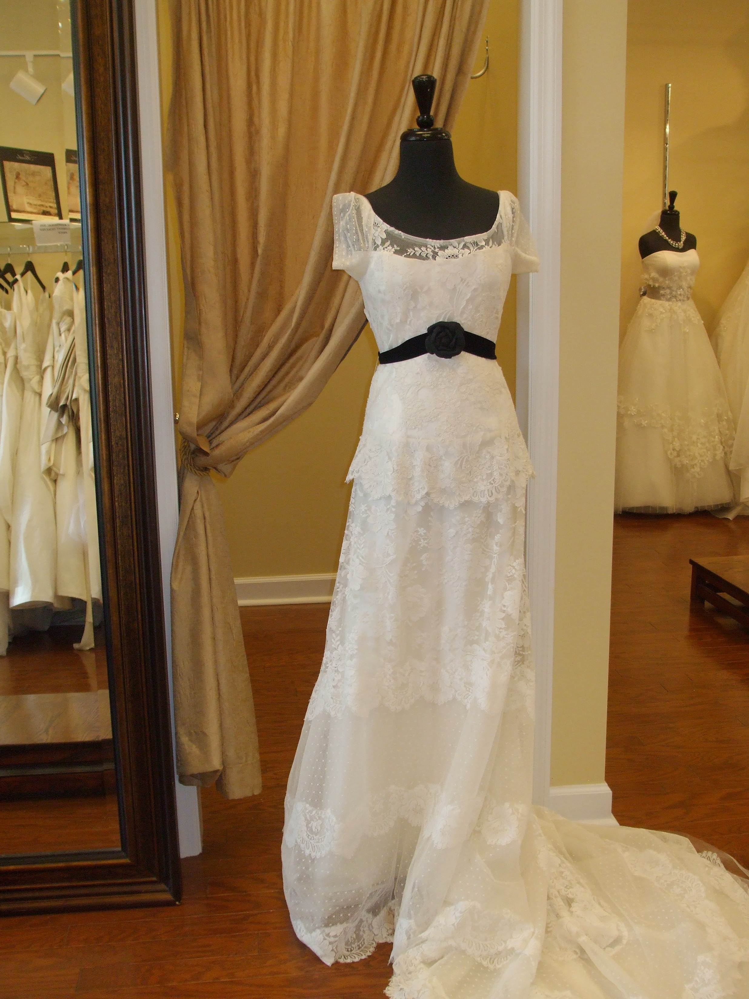 Cool Hi Ll With Where To Sell Old Wedding Dress